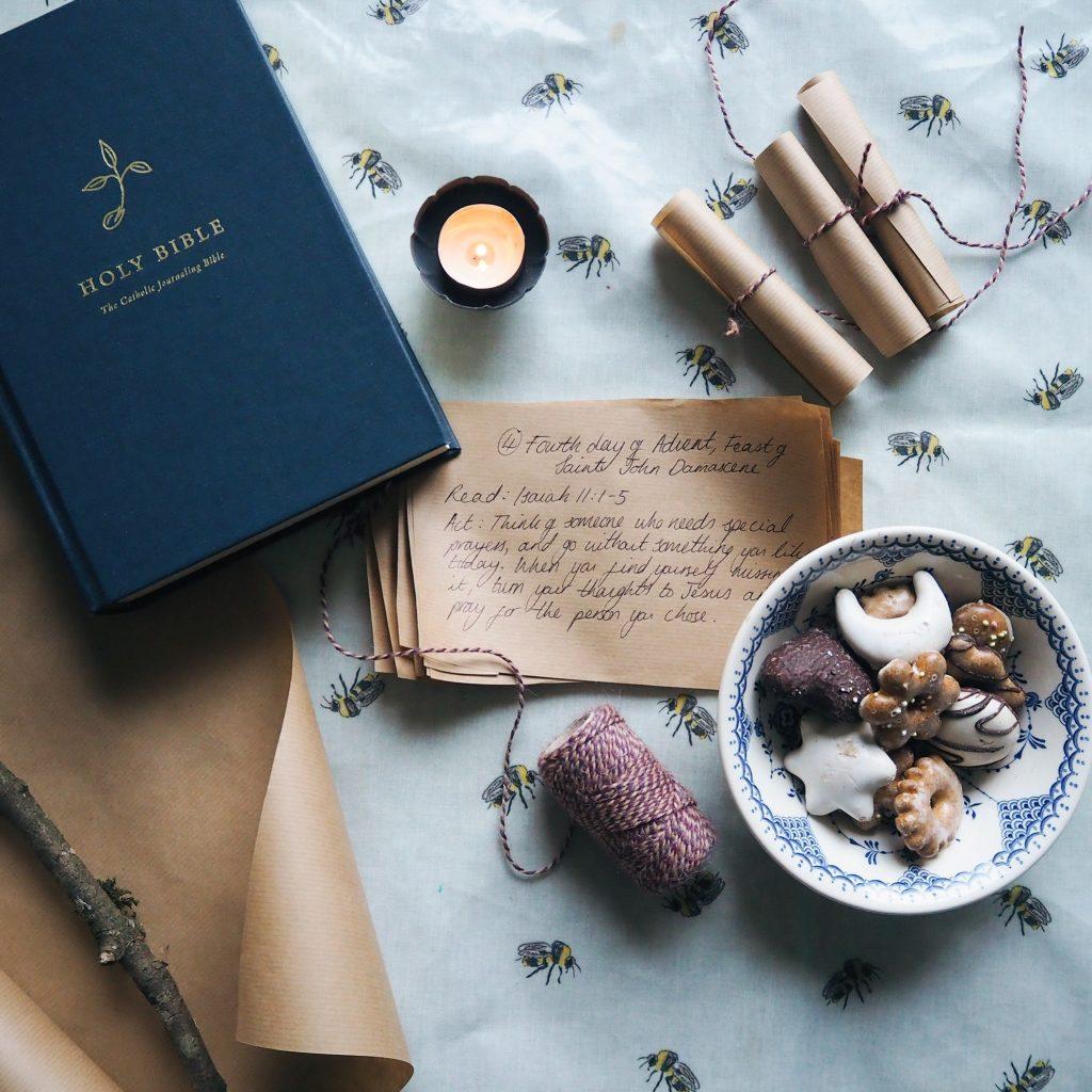 DIY Advent calendar with Bible readings